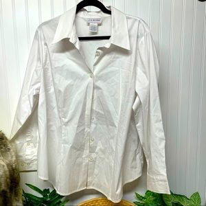 J.G. Hook Women White Button Down Shirt  1X